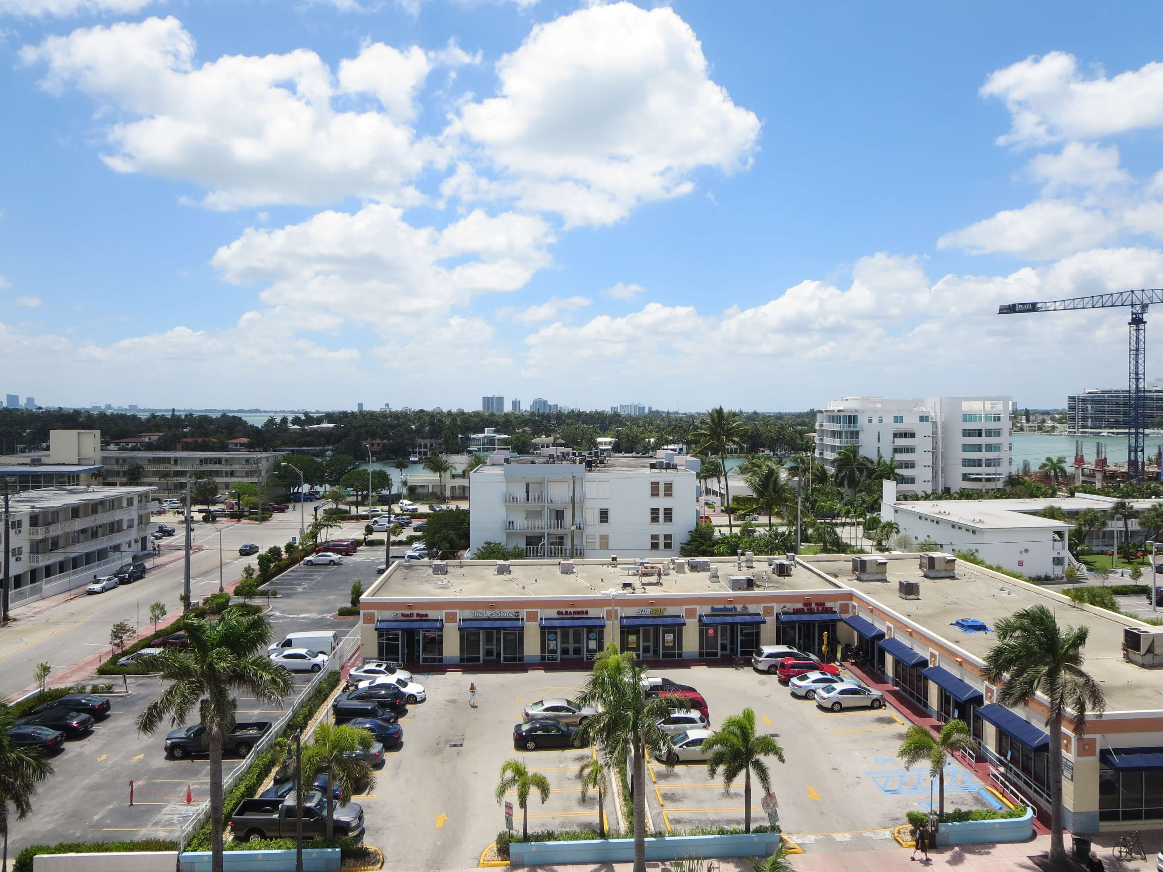 1BR Apartment for Rent on Collins Avenue, Miami Beach