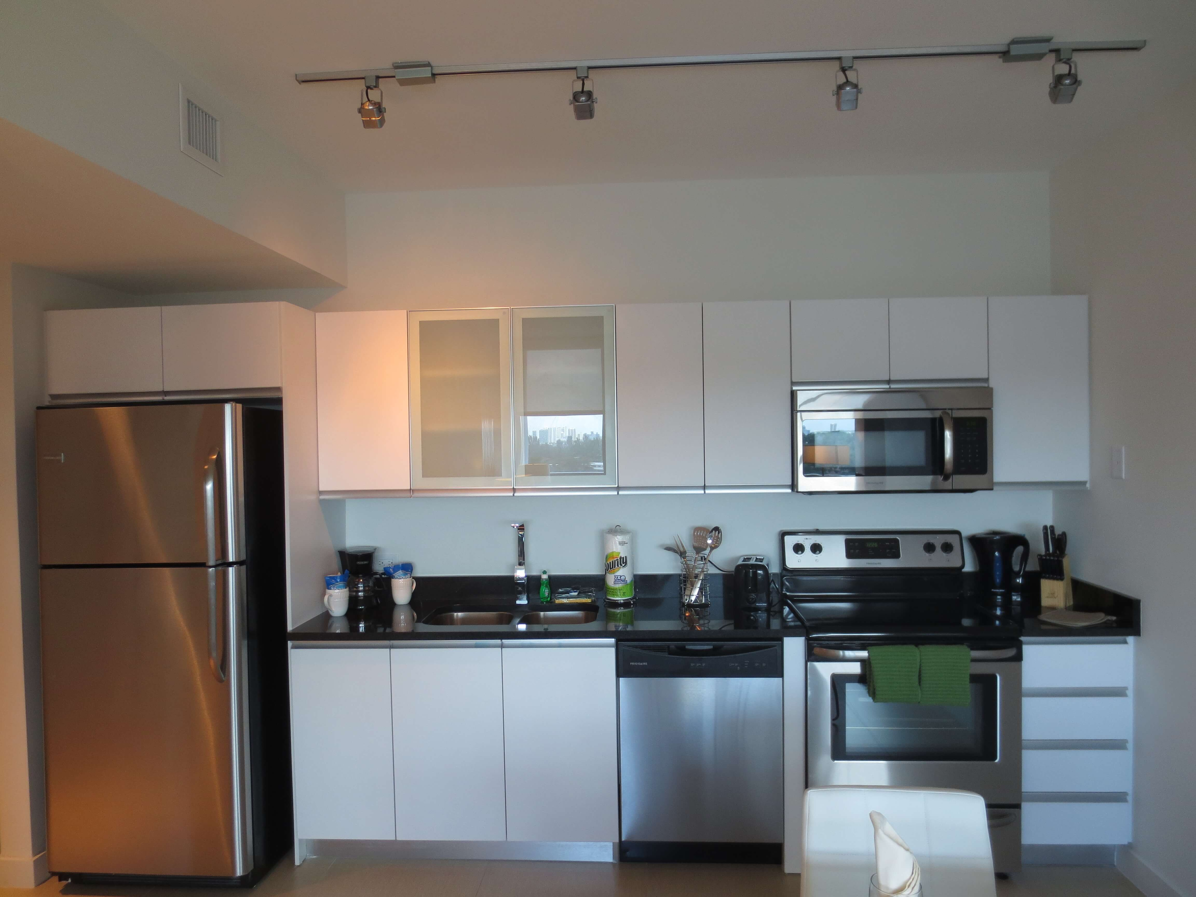 image 4 furnished 1 bedroom Apartment for rent in North Miami Beach, Miami Area