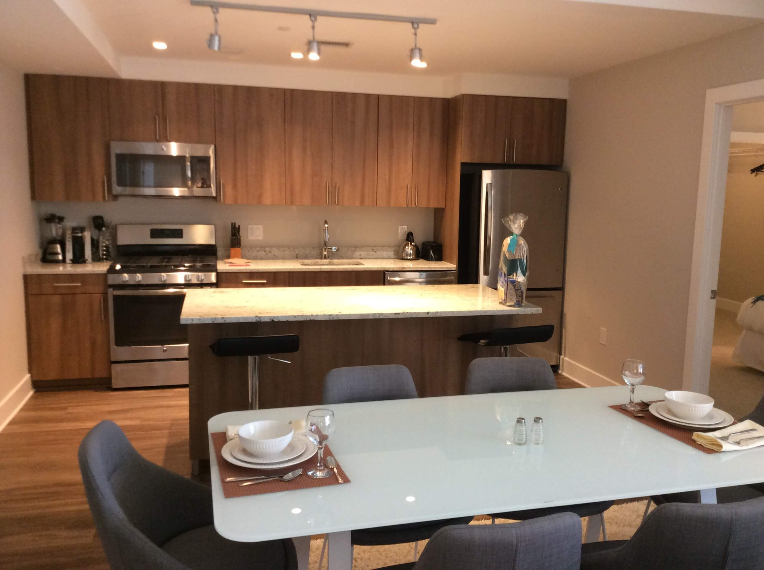 image 3 furnished 3 bedroom Apartment for rent in Arlington, DC Metro