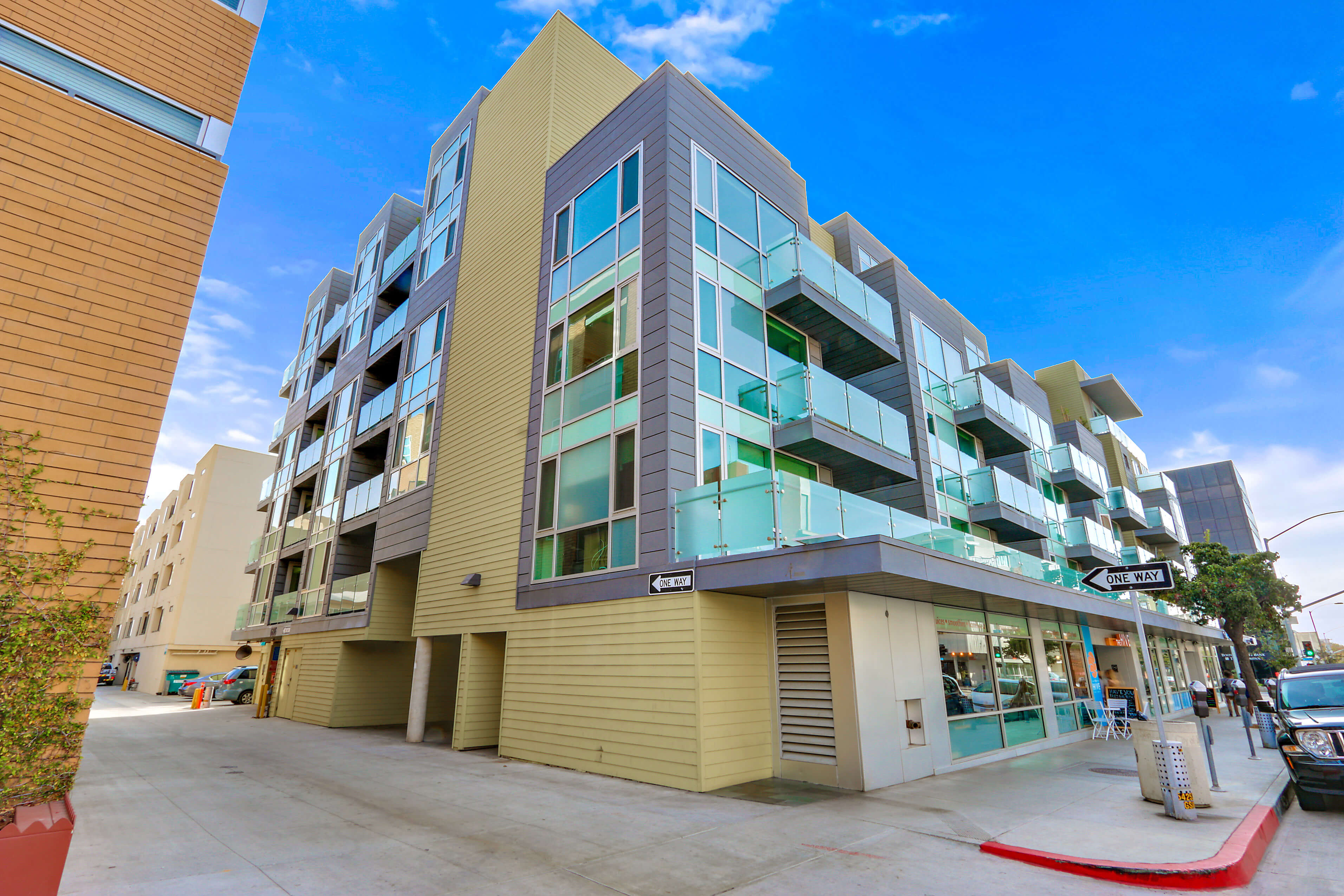 Santa monica furnished 1 bedroom apartment for rent 5910 for One month rental los angeles