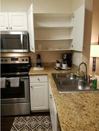 image 3 furnished 1 bedroom apartment for rent in long beach south