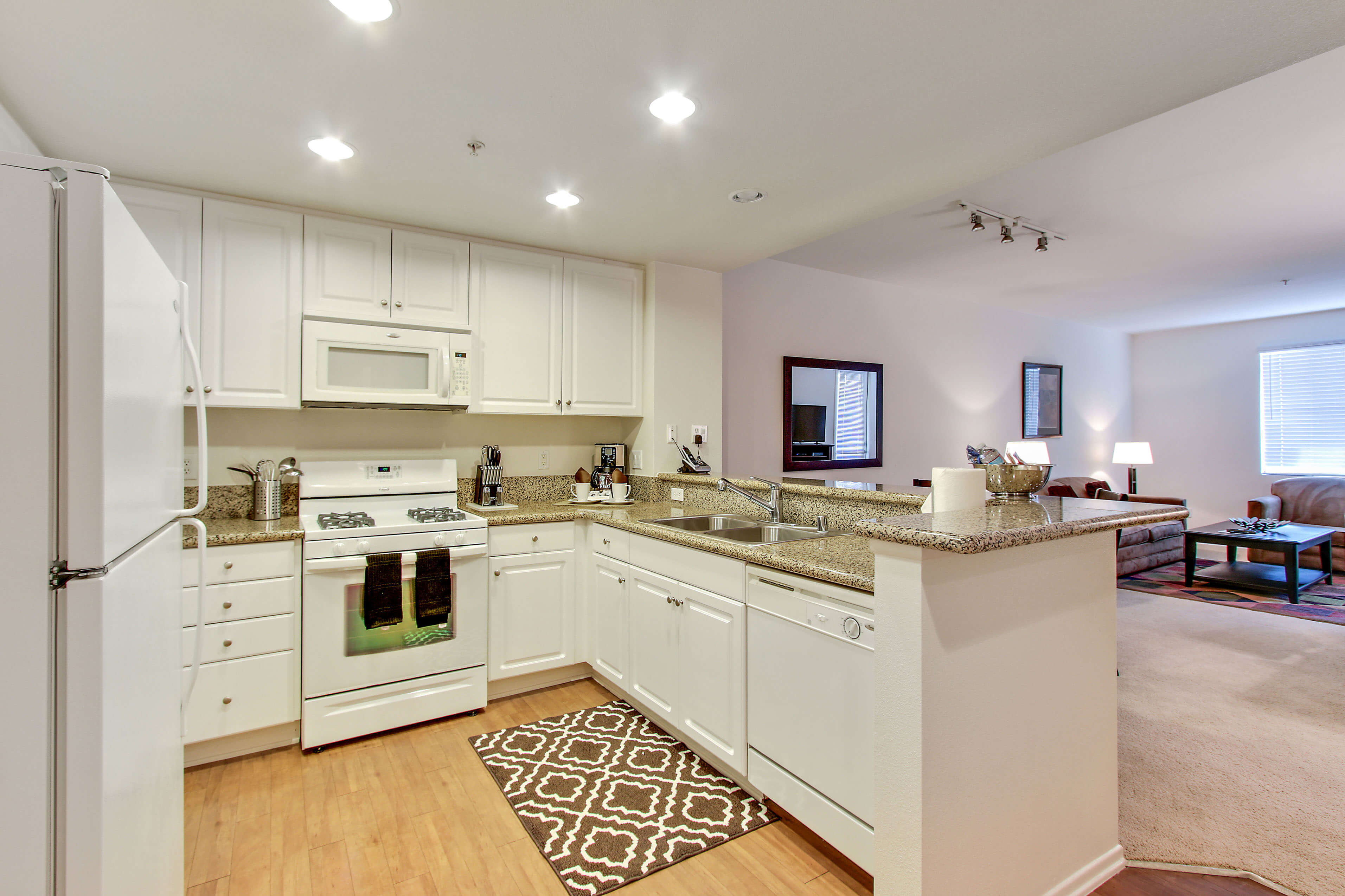 irvine furnished 1 bedroom apartment for rent 4980 per