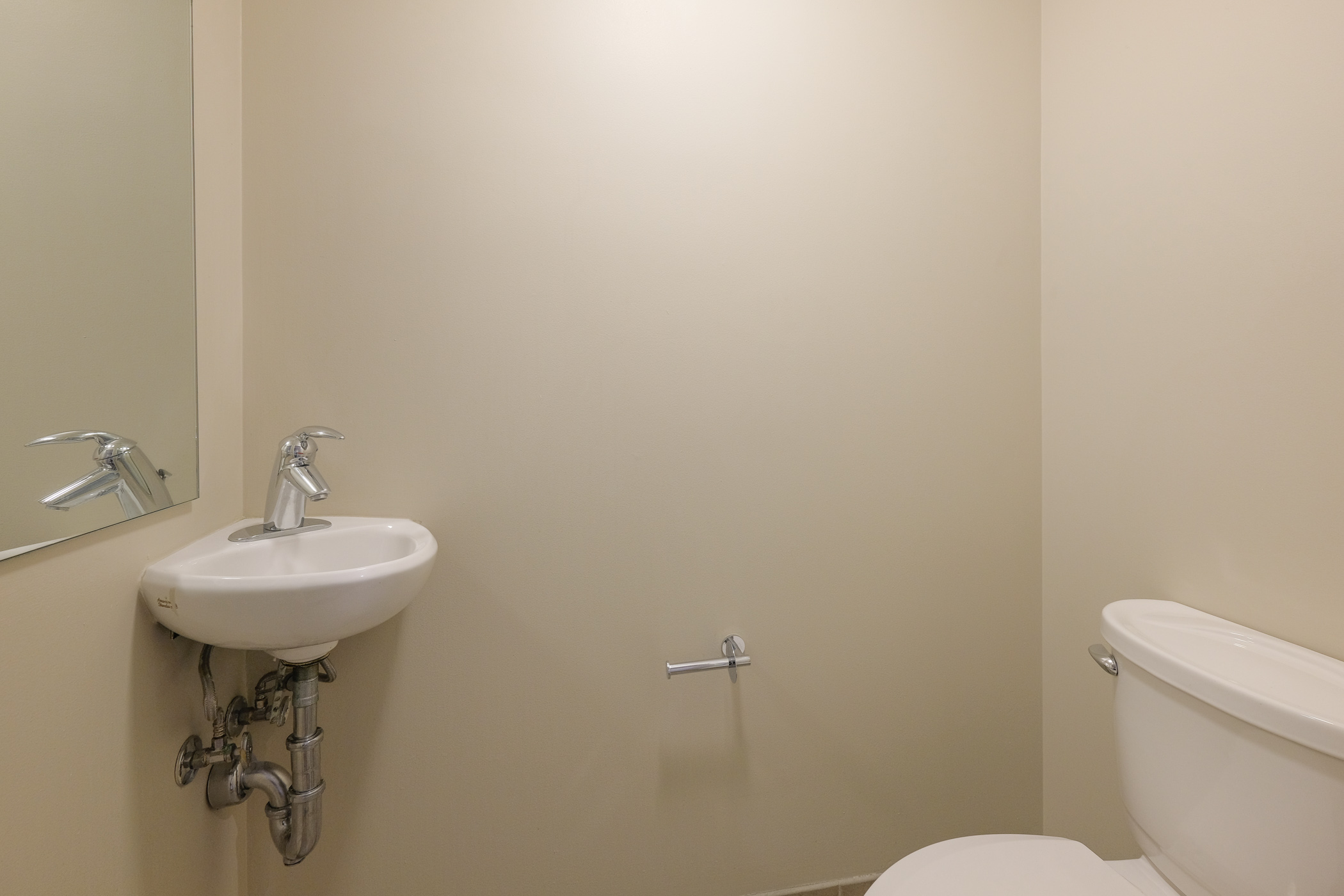 image 2 furnished 1 bedroom Apartment for rent in Bloomingdale, DC Metro