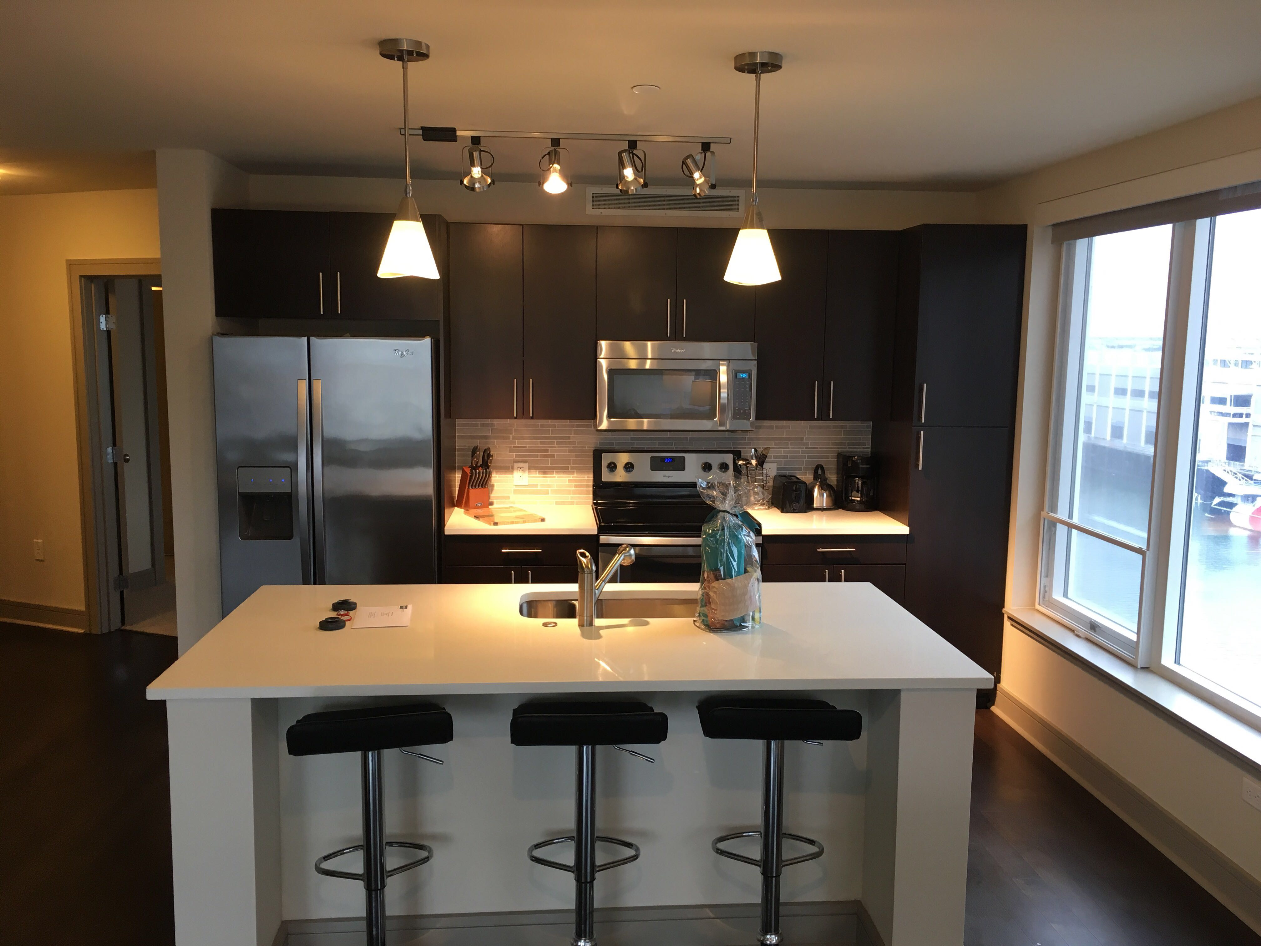 image 2 furnished 2 bedroom Apartment for rent in Waterfront, Boston Area