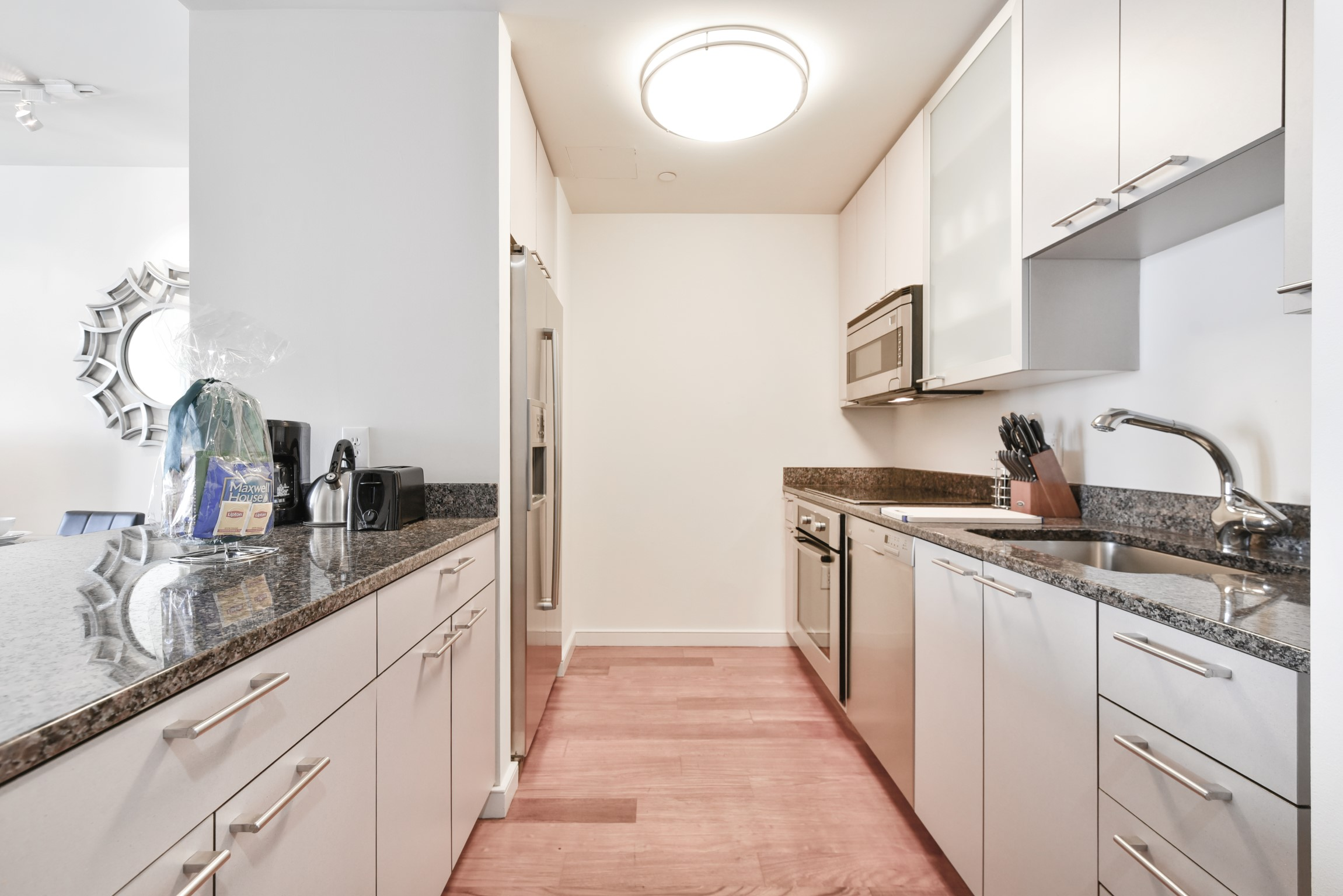$8880 2 Beacon Hill, Boston Area