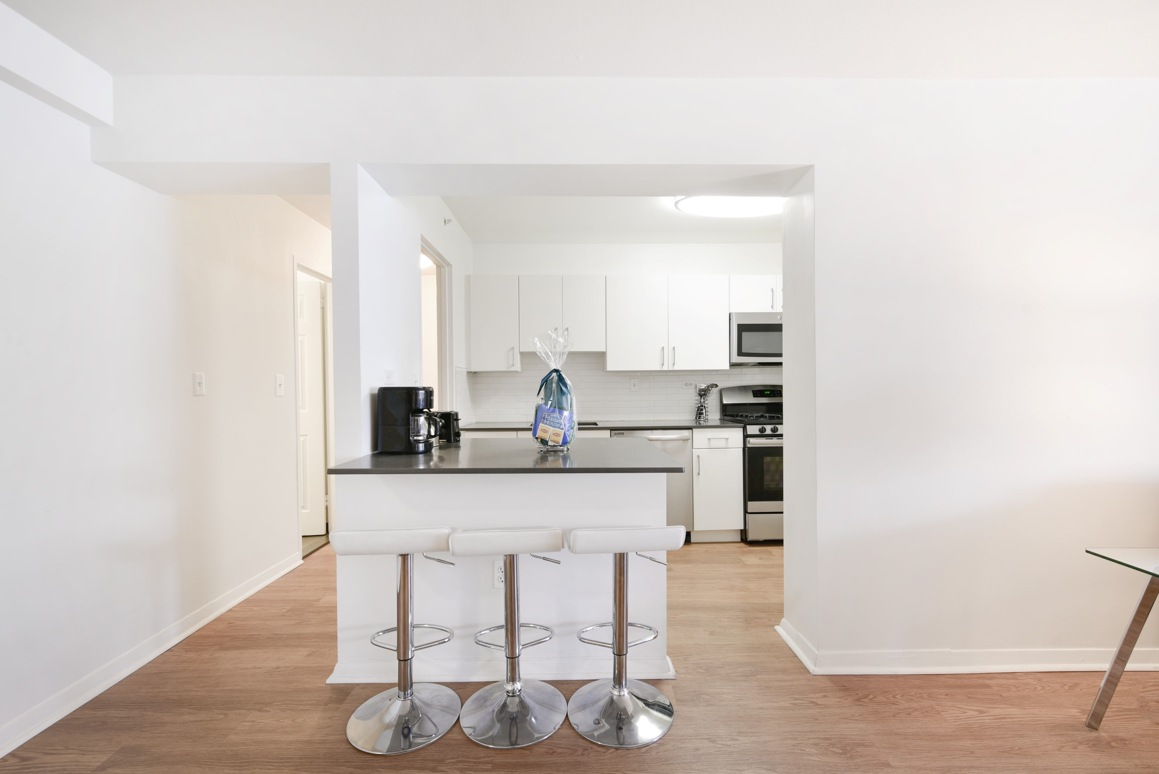 image 6 furnished 3 bedroom Apartment for rent in Beacon Hill, Boston Area