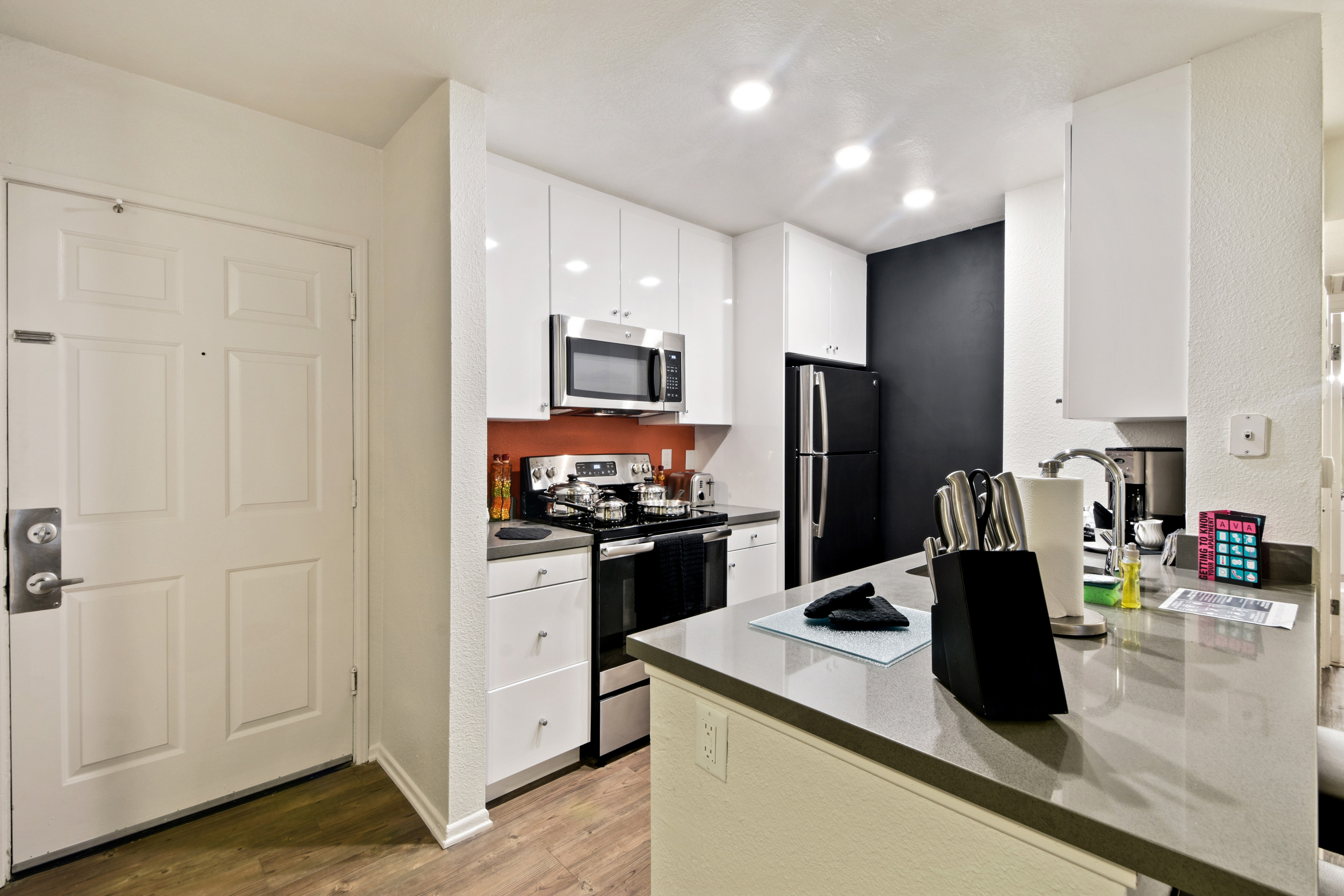 image 10 furnished 2 bedroom Apartment for rent in Hollywood, Metro Los Angeles