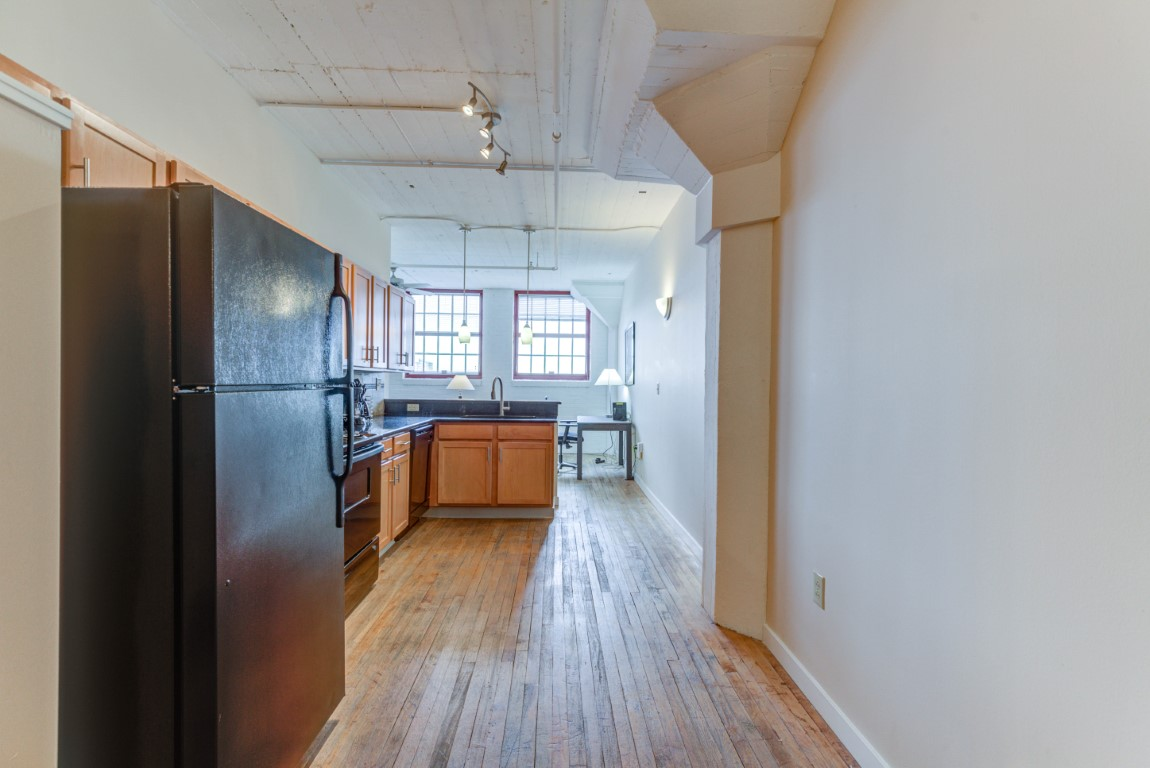 image 6 furnished 2 bedroom Apartment for rent in Cleveland Heights, Cuyahoga County