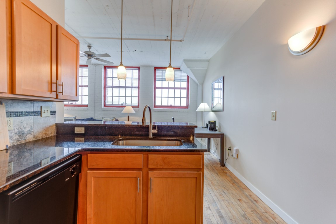 image 10 furnished 2 bedroom Apartment for rent in Cleveland Heights, Cuyahoga County