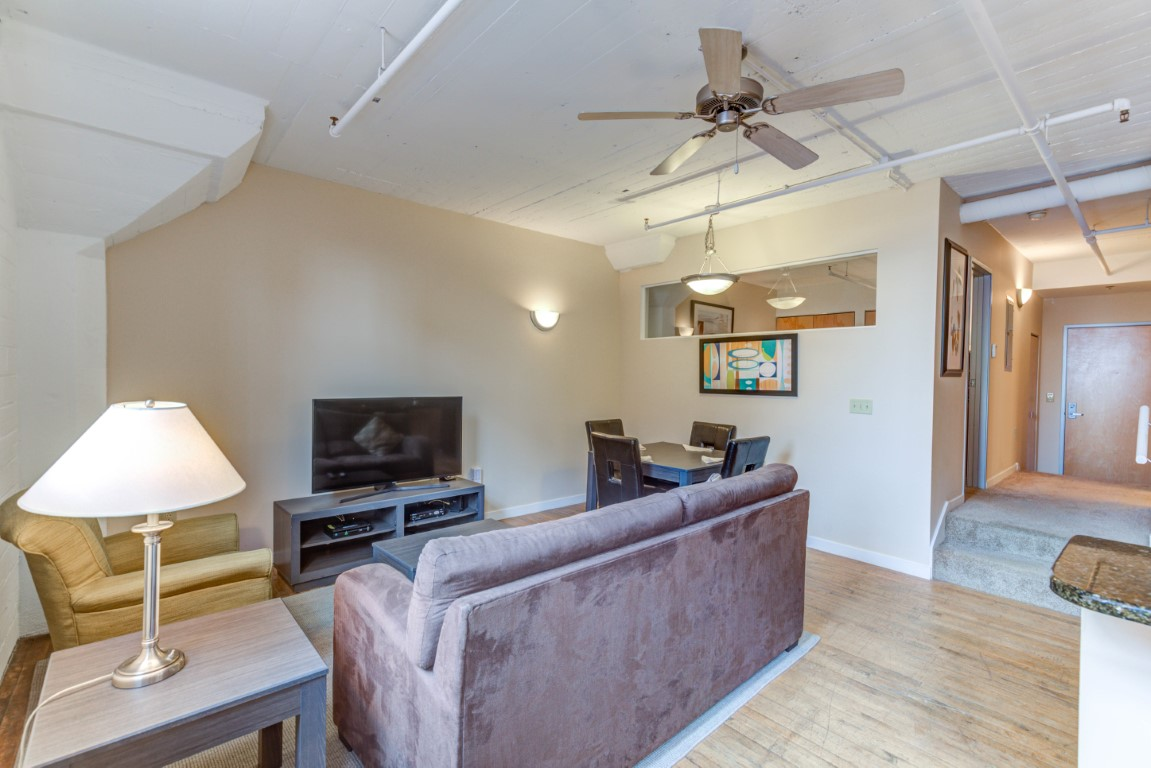 image 8 furnished 1 bedroom Apartment for rent in Cleveland Heights, Cuyahoga County