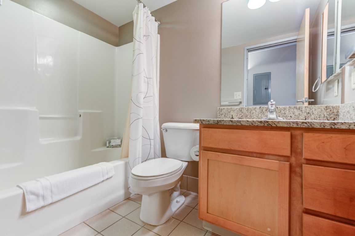 image 10 furnished 1 bedroom Apartment for rent in Cleveland Heights, Cuyahoga County