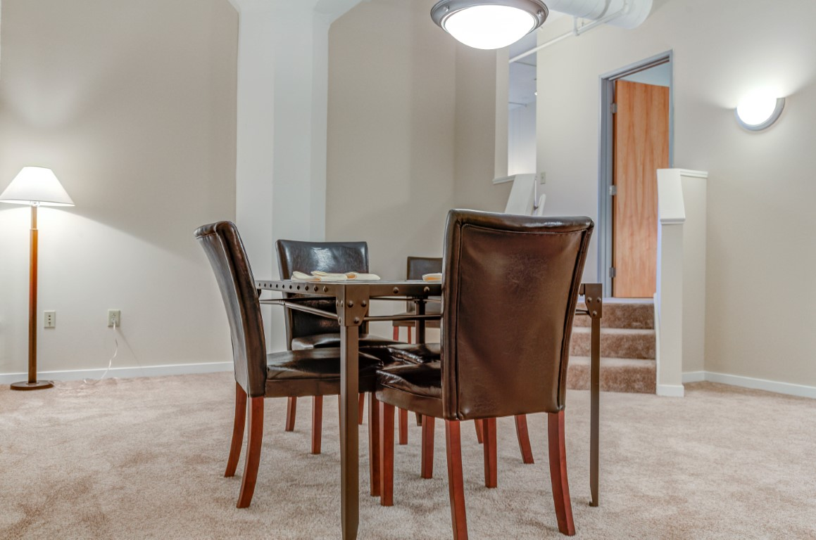 image 2 furnished 3 bedroom Apartment for rent in Cleveland Heights, Cuyahoga County