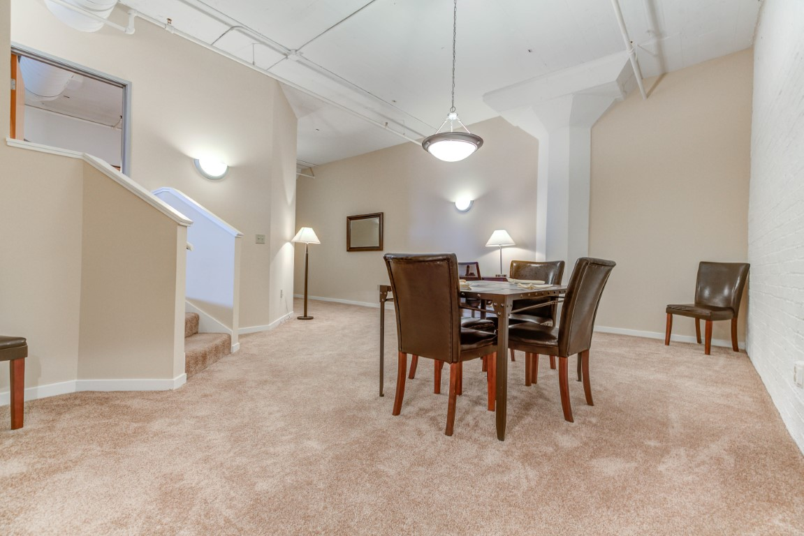 image 3 furnished 3 bedroom Apartment for rent in Cleveland Heights, Cuyahoga County
