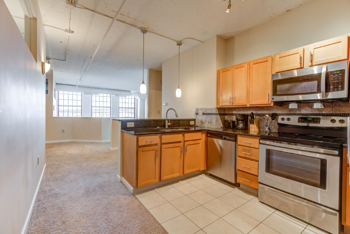 image 10 furnished 3 bedroom Apartment for rent in Cleveland Heights, Cuyahoga County