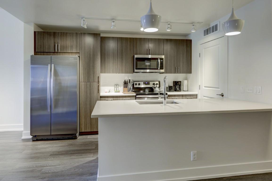 image 2 furnished 1 bedroom Apartment for rent in City Park, Denver Central