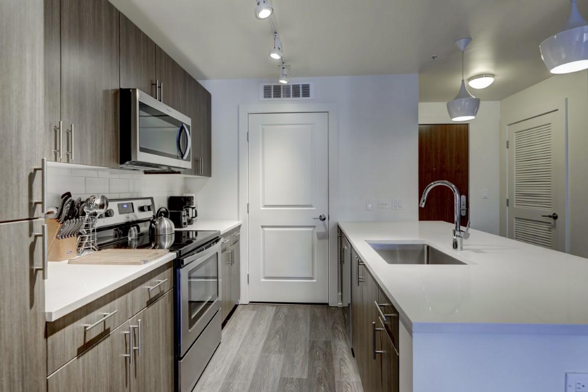 image 4 furnished 1 bedroom Apartment for rent in City Park, Denver Central