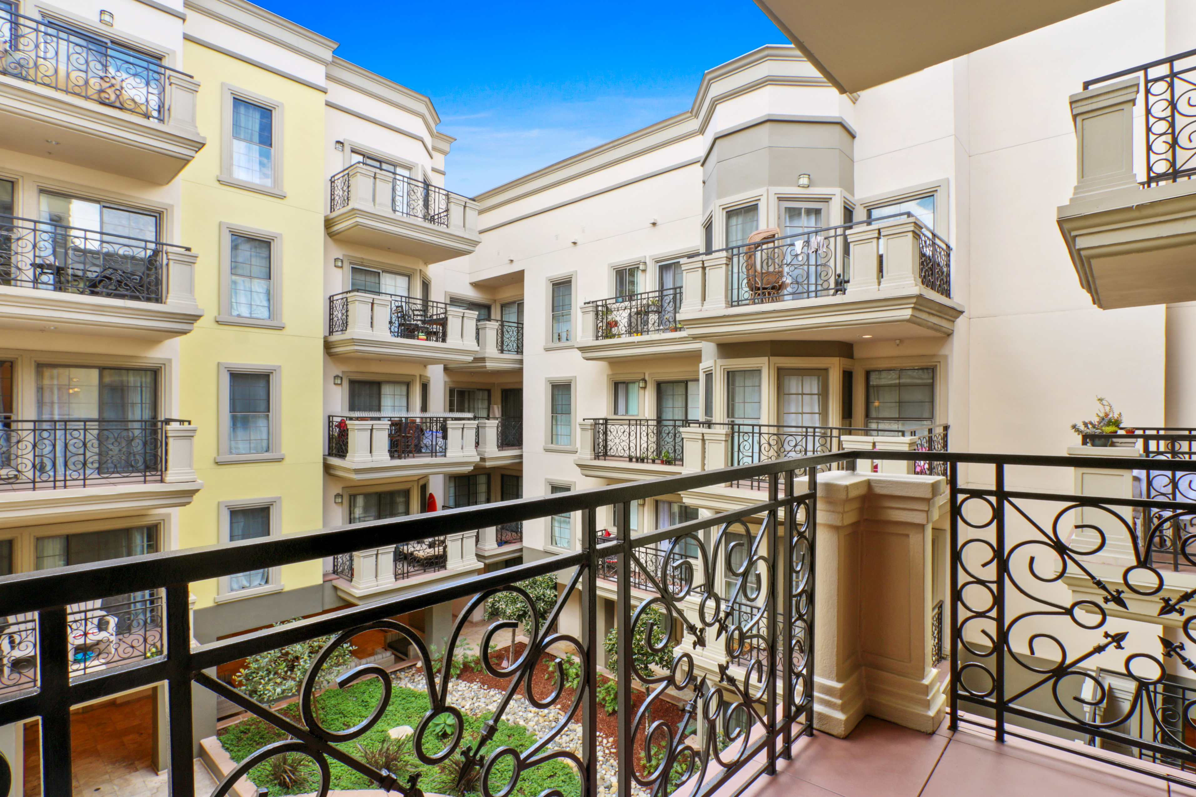image 9 furnished 1 bedroom Apartment for rent in Santa Monica, West Los Angeles