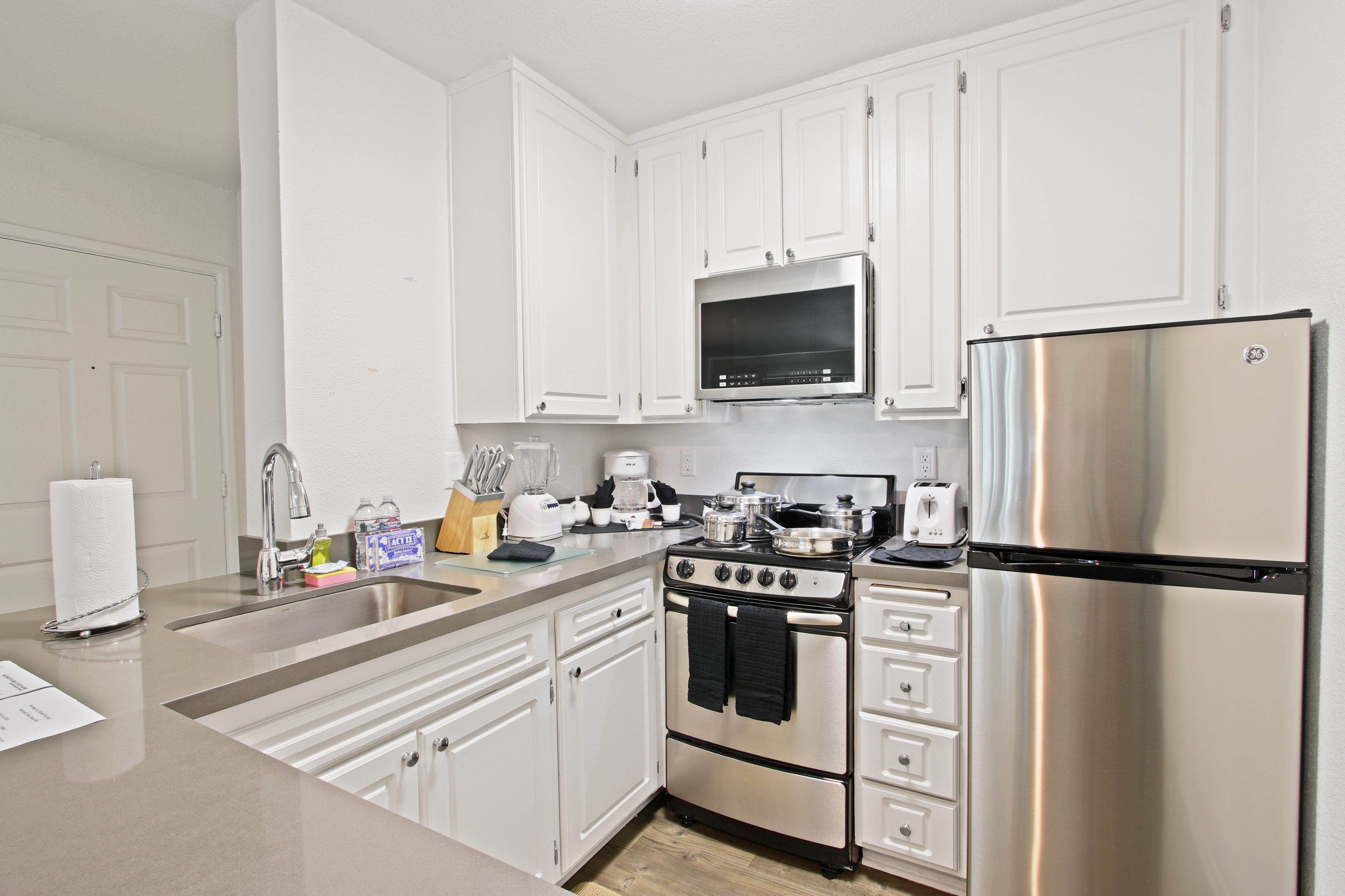 image 9 furnished 1 bedroom Apartment for rent in Hollywood, Metro Los Angeles